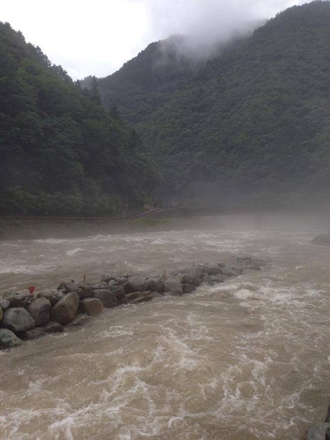 濁流の馬瀬川